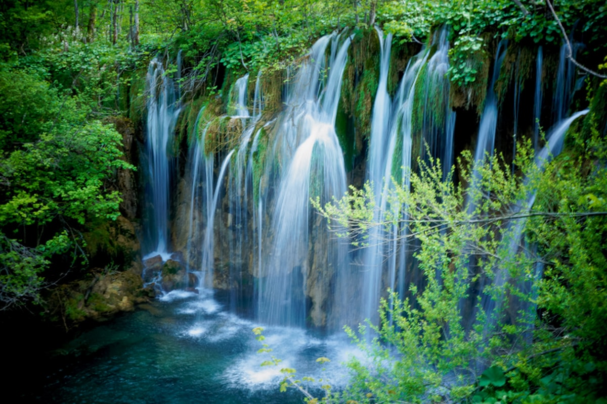 Hiking Plitvice Lakes National Park in Croatia