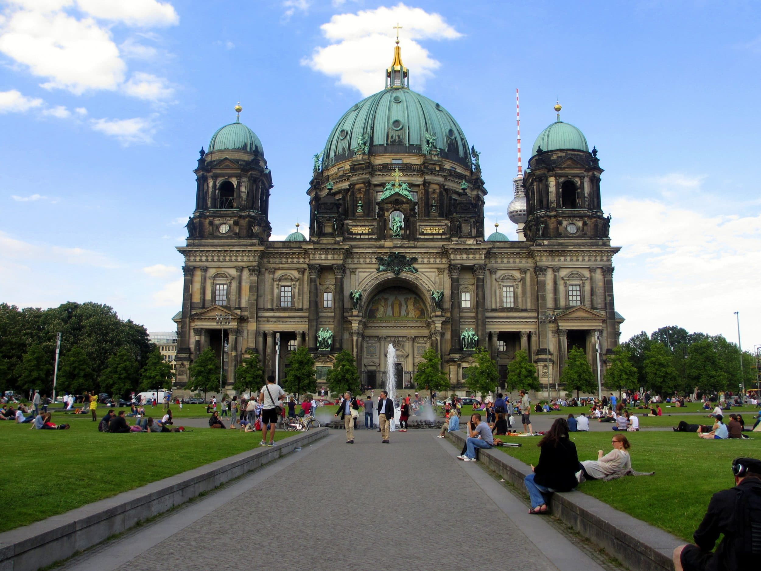 Berlin Vacation Travel Guide | Expedia - Allwaybooking