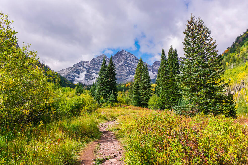 Hiking Maroon Bells in Aspen, Colorado - Wayfaring With Wagner